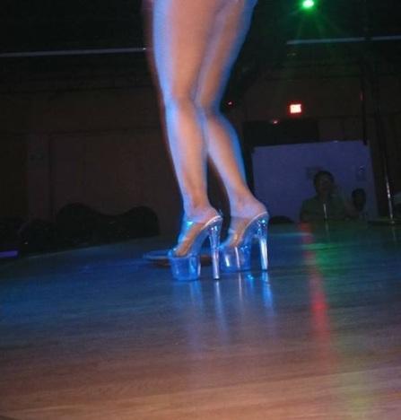 59-table-dance