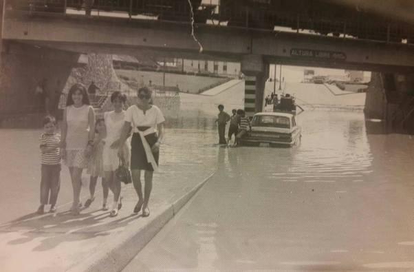 111 Puente inundado