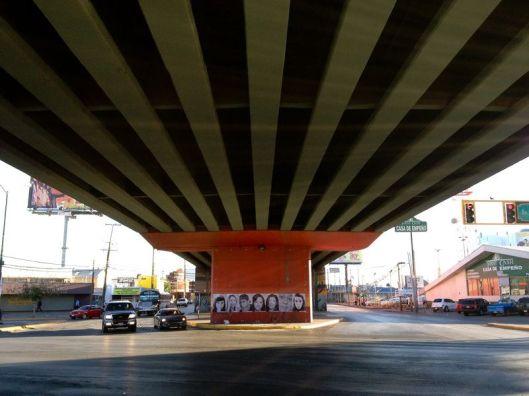 175 Puente rotario debajo.jpg